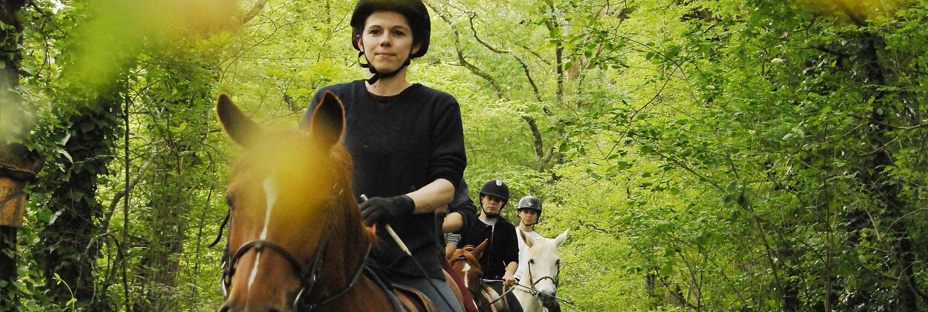 Colonies de vacances et Séjours enfants : nature et équitation dans le Tarn en Occitanie