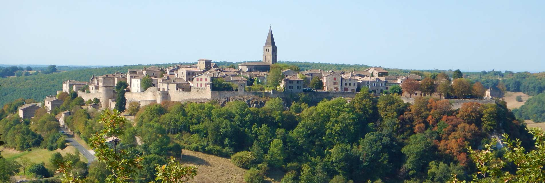 Ville de Puycelsi dans le Tarn