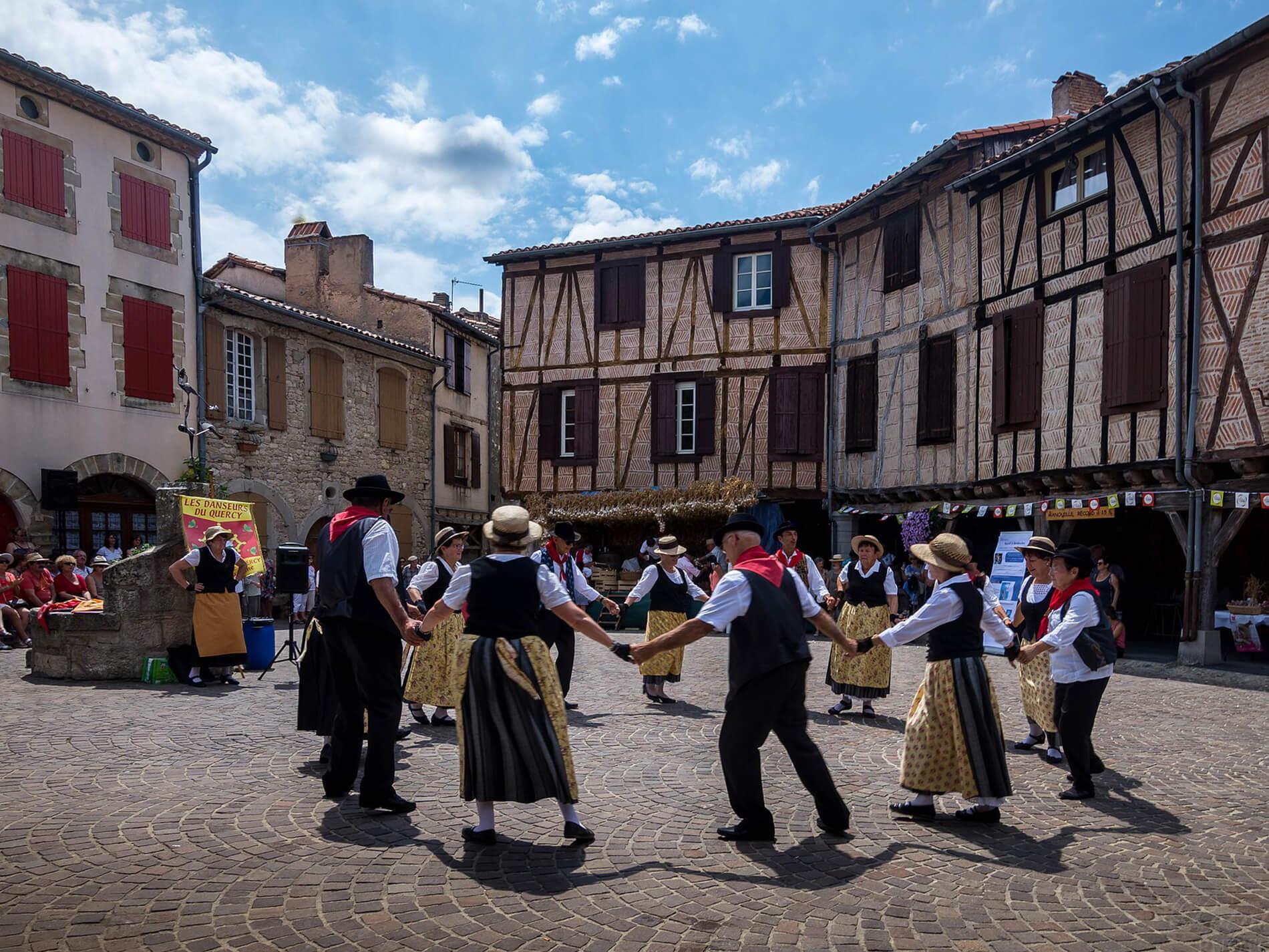 Fête de l'ail à Lautrec dans le Tarn en Occitanie